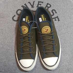 NWOT Converse Mountain club ox sneakers